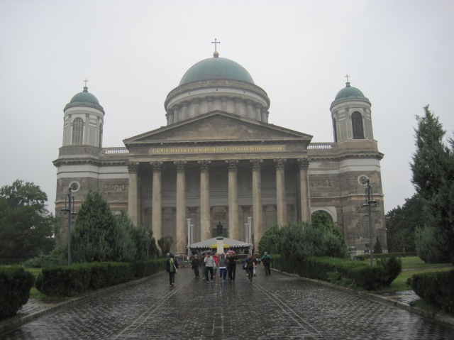 Ezstergom Basilica, the largest church in Hungary