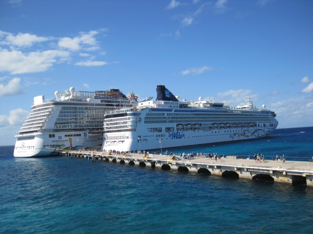 Norwegian Getaway and Norwegian Star docked at Cozumel