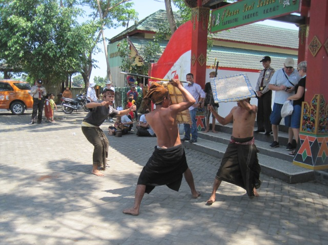 Entertainment at the market in Lombok
